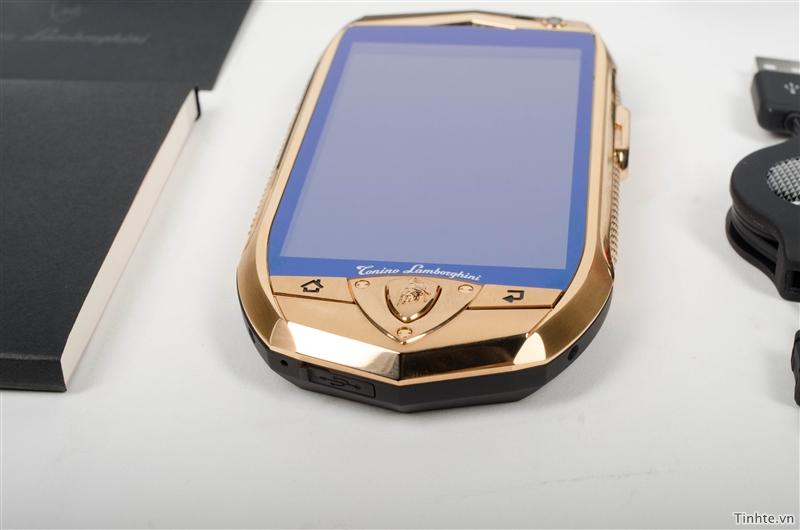 Điện thoại mạ vàng Lamborghini