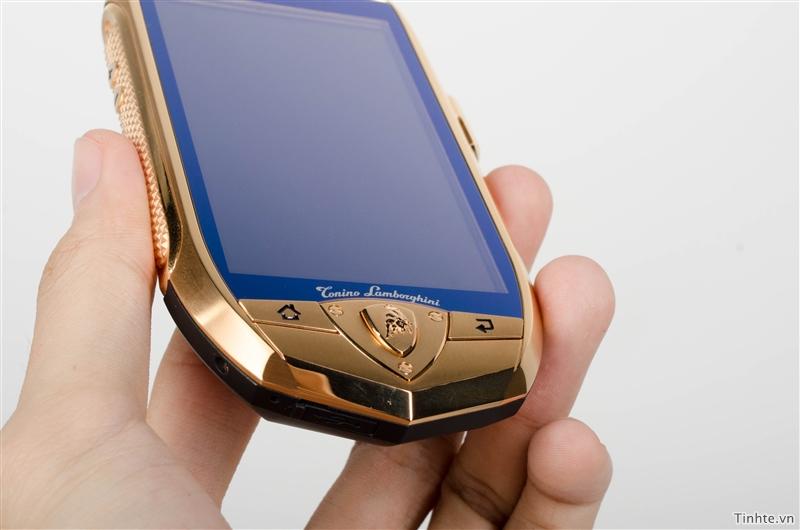 Điện thoại mạ vàng