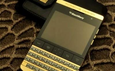 Điện thoại BackBerry mạ vàng 24k siêu sang