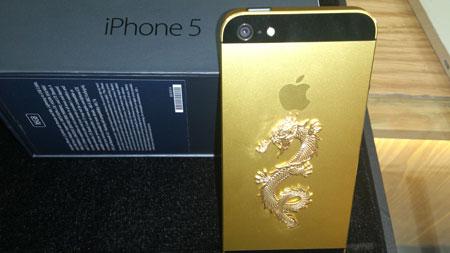 iPhone 5 mạ vàng khảm rồng