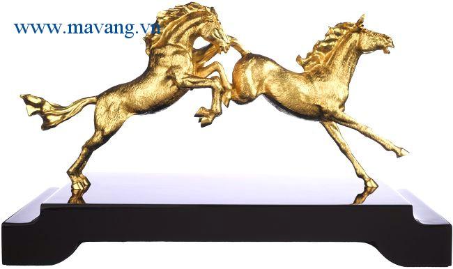Linh vật ngựa mạ vàng 24k