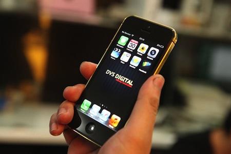 iPhone 5 mạ vàng nguyên khối