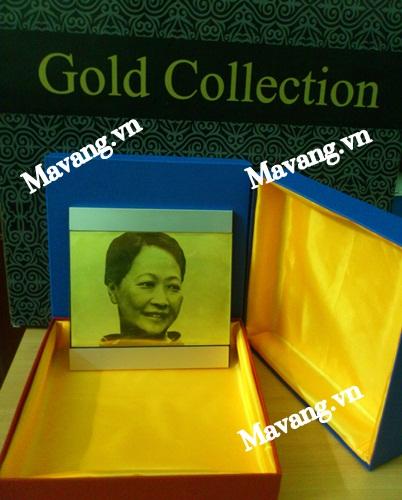 Bộ sản phẩm ảnh chân dung mạ vàng và hộp sang trọng