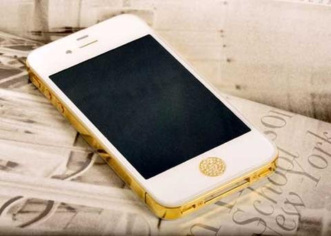 Iphone-4S-ma-vang-gan-kim-cuong-1