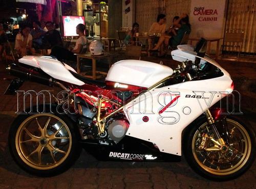 Ducati-848-evo-ma-vang-24K-sang-trong (4)