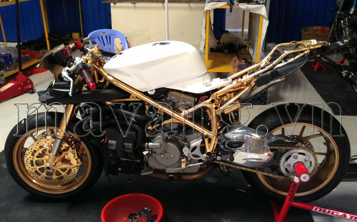 Ducati-848-evo-ma-vang-24K-sang-trong (7)