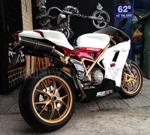 Ducati-848-evo-ma-vang-24K-sang-trong