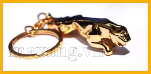 Móc khóa ô tô mạ vàng