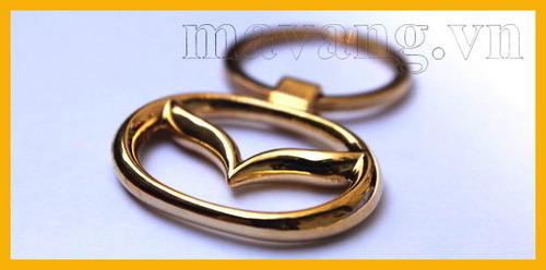Móc khóa Mazda mạ vàng