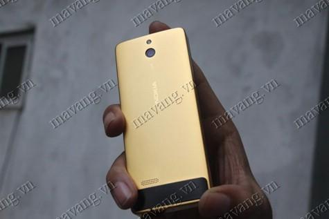 Nokia 515 có độ dày trên 5 Micron