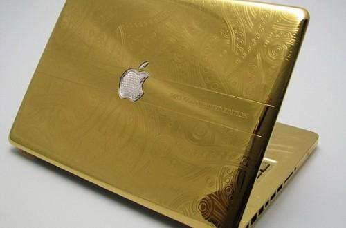 Mặt Trước MacBook Pro mạ vàng 24K độc nhất
