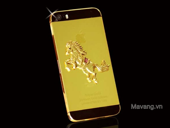 iPhone 5s mạ vàng 24K và đúc ngựa vàng nguyên khối