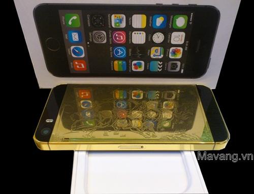 iPhone 5s mạ vàng 24K sáng bóng có thể soi gương được