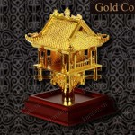 Biểu tượng Chùa Một Cột mạ vàng tặng người nước ngoài