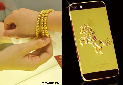 Người tiêu dùng tò mò về giá vàng, người sử dụng công nghệ quan tâm đến iPhone mạ vàng.