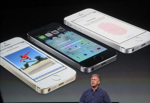 iPhone 5S vượt mặt Galaxy S4 trong tháng 10