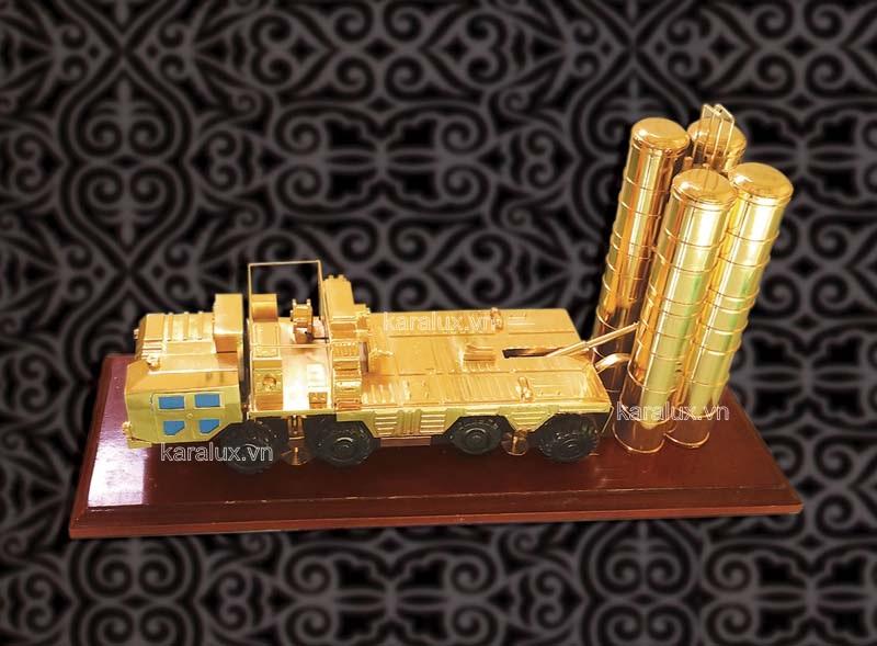 Tên lửa S300 mạ vàng 24k, Tên lửa S 300