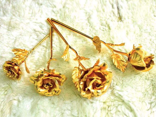 Hoa Hồng Dát Vàng 24K, bông hồng mạ vàng 24k, quà tặng Valentine 2014