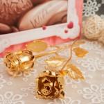 Hình ảnh bông hồng mạ vàng Karalux