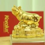 Cách bài trí Linh vật Heo phong thủy mạ vàng may mắn tài lộc