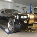 Karalux giới thiệu Rolls-Royce Phantom mạ vàng, in hình Rồng độc đáo