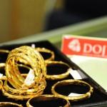 Vàng trong nước giảm nhẹ so với giá thế giới