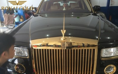 Rolls-ROyce Phantom Rồng mạ vàng 24K