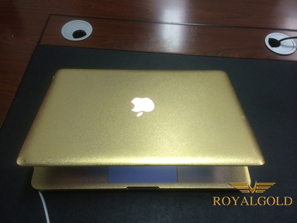 macbook pro ma vang 24K