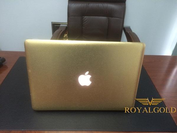 Macbook pro mạ vàng 24K tại Việt Nam