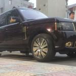 Bộ đôi siêu xe Phantom và Range Rover mạ vàng của ông chủ Taxi Móng Cái