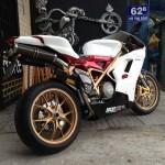Bộ ảnh độc về Ducati 848Evo mạ vàng