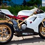 Royal Gold giới thiệu Ducati 848 Evo mạ vàng độc nhất vô nhị tại Việt Nam