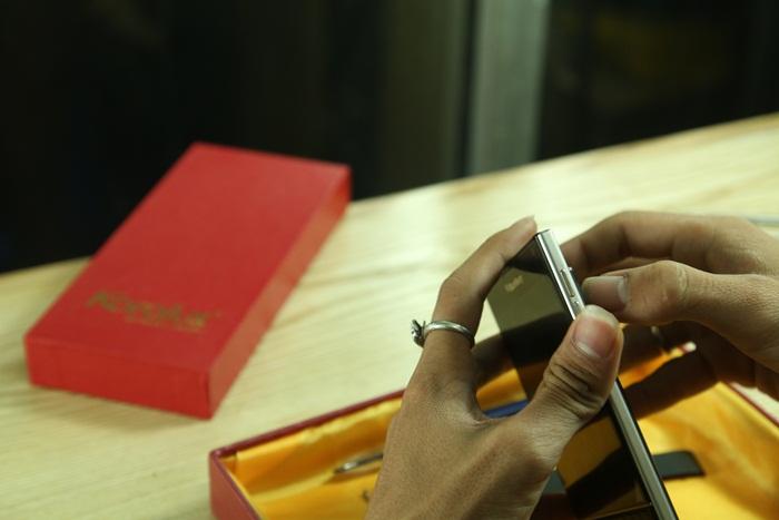cach thao mo Blackberry Passport | Hướng dẫn cách tháo, mở, lắp BB