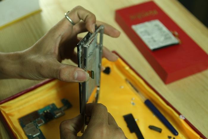 Cach thao Blackberry Passport | Hướng dẫn cách tháo, mở, lắp BB