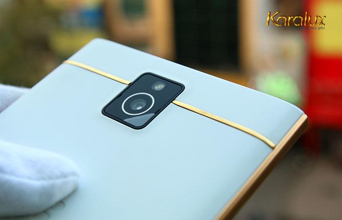 Điện thoại Blackberry Passport mạ vàng
