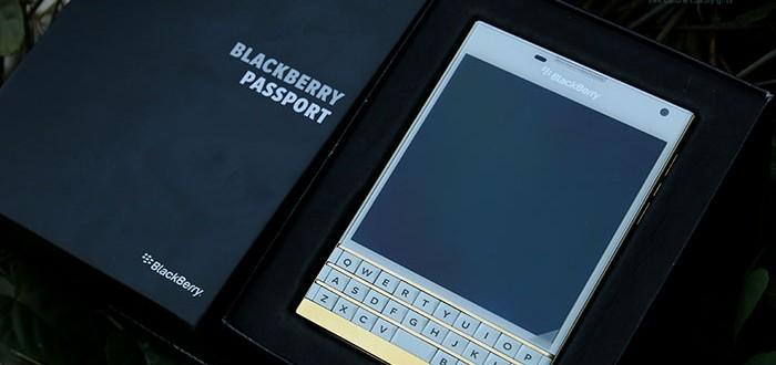 Blackberry Passport mầu trắng mạ vàng