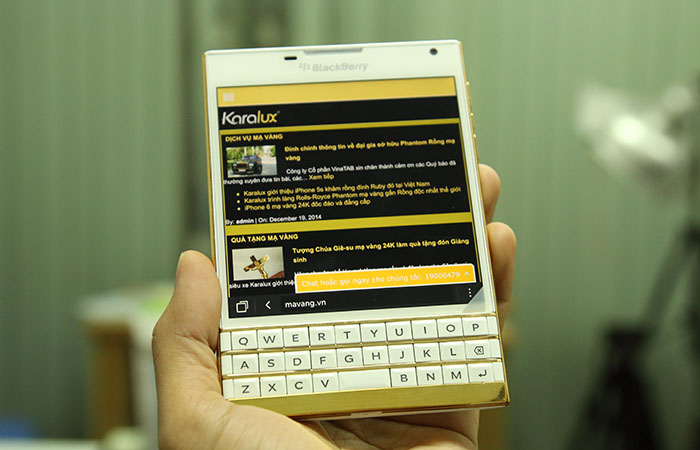 Blackberry Passport mạ vàng