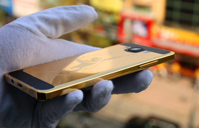 The gold-plated Samsung Galaxy A5 | Karalux Vietnam