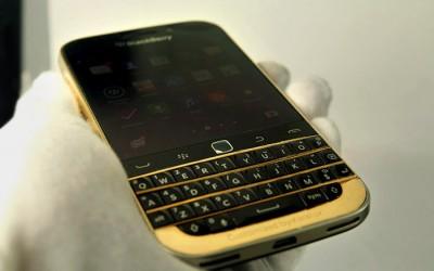 BlackBerry Classic mạ vàng 24K tại Việt Nam