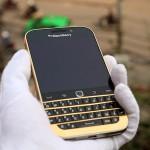 Karalux trình làng BlackBerry Classic mạ vàng đẳng cấp