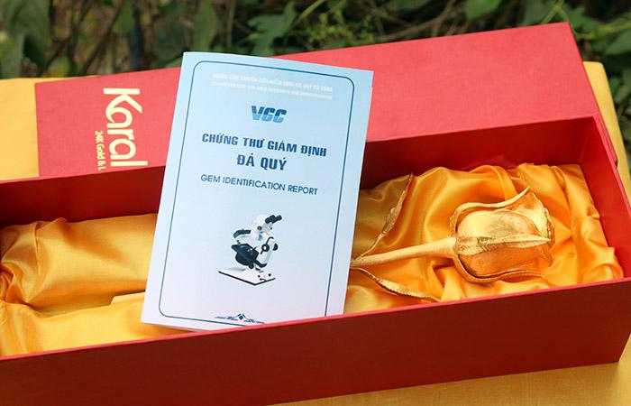 bông hoa hồng mạ vàng, giá bán hoa hồng dát vàng 24K