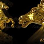 Cách bài trí linh vật ngựa phong thủy mạ vàng