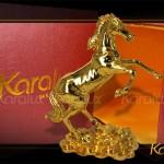 Tượng Ngựa Phong Thủy Mạ Vàng làm quà tặng biếu Sếp ý nghĩa