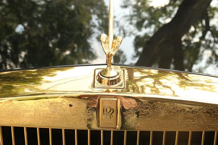 Logo của siêu xe Rolls-Royce, biểu tượng Spirit of Ecstasy
