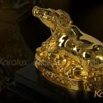 Cách bài trí tượng Trâu phong thủy mạ vàng tài lộc