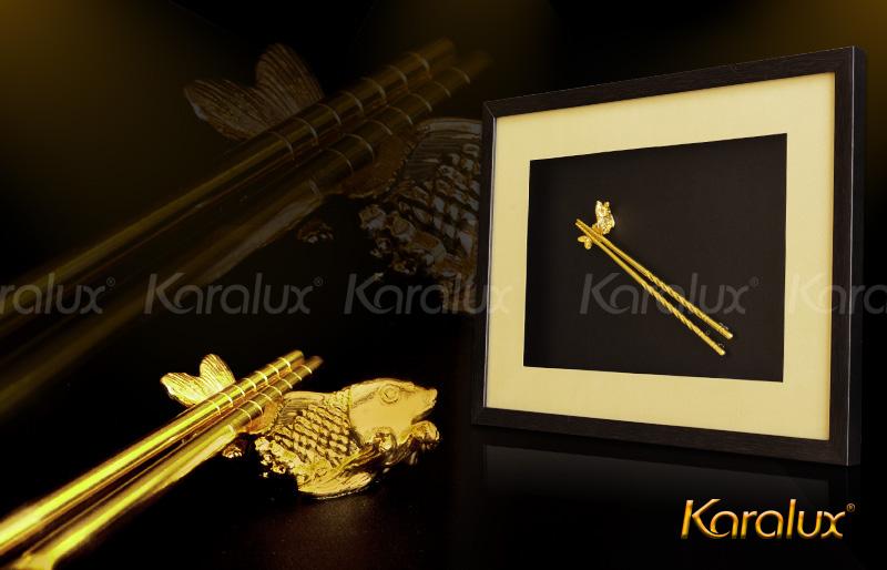 tranh đôi đũa mạ vàng 24K, tranh đôi cá và đũa phong thủy Karalux