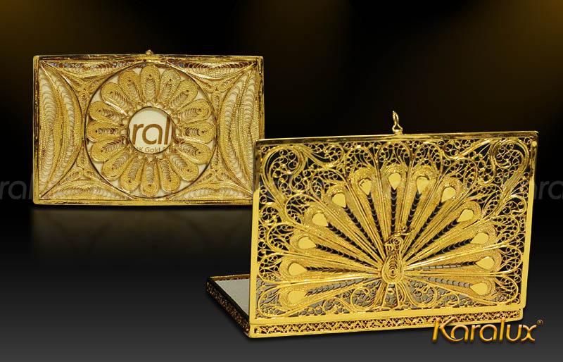 Hộp đựng danh thiếp mạ vàng hình con công – NC02 | Quà tặng lưu niệm Hà Nội, Vietnam