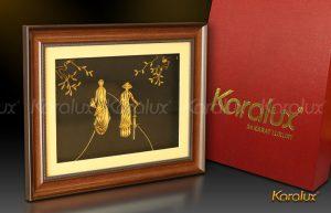 Bức tranh cô gái duyên dáng mạ vàng 24K | Quà tặng mạ vàng Karalux