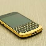 Chùm ảnh Blackberry Q10 mạ vàng đẳng cấp tại Hà Nội