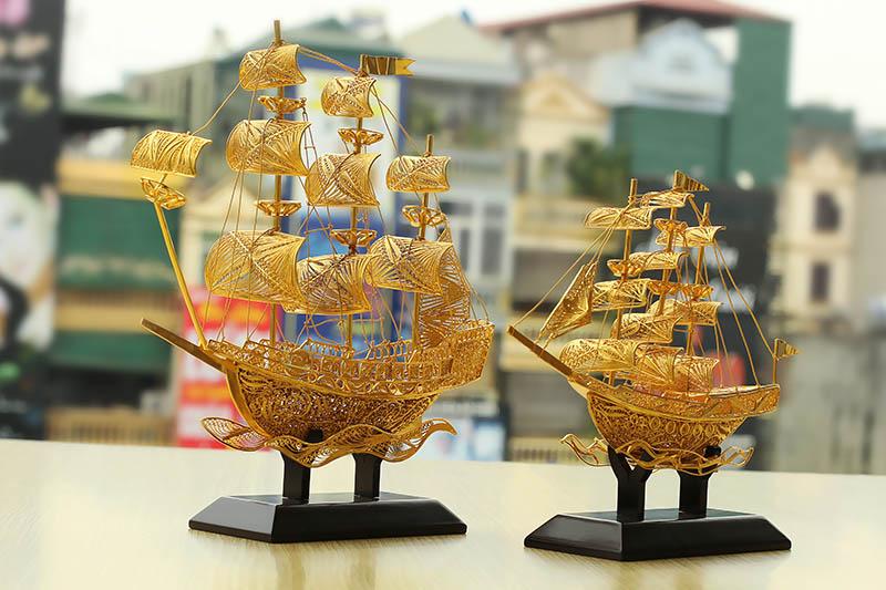 Thuan buom xuoi gio | Thuyền buồm mạ vàng 24k